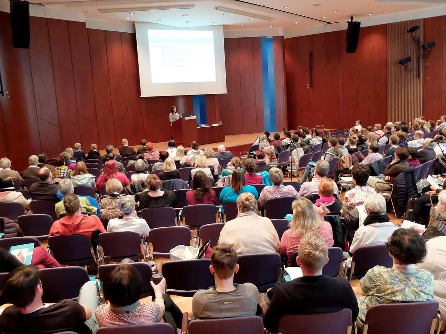 Voller Saal beim Wundysmposium